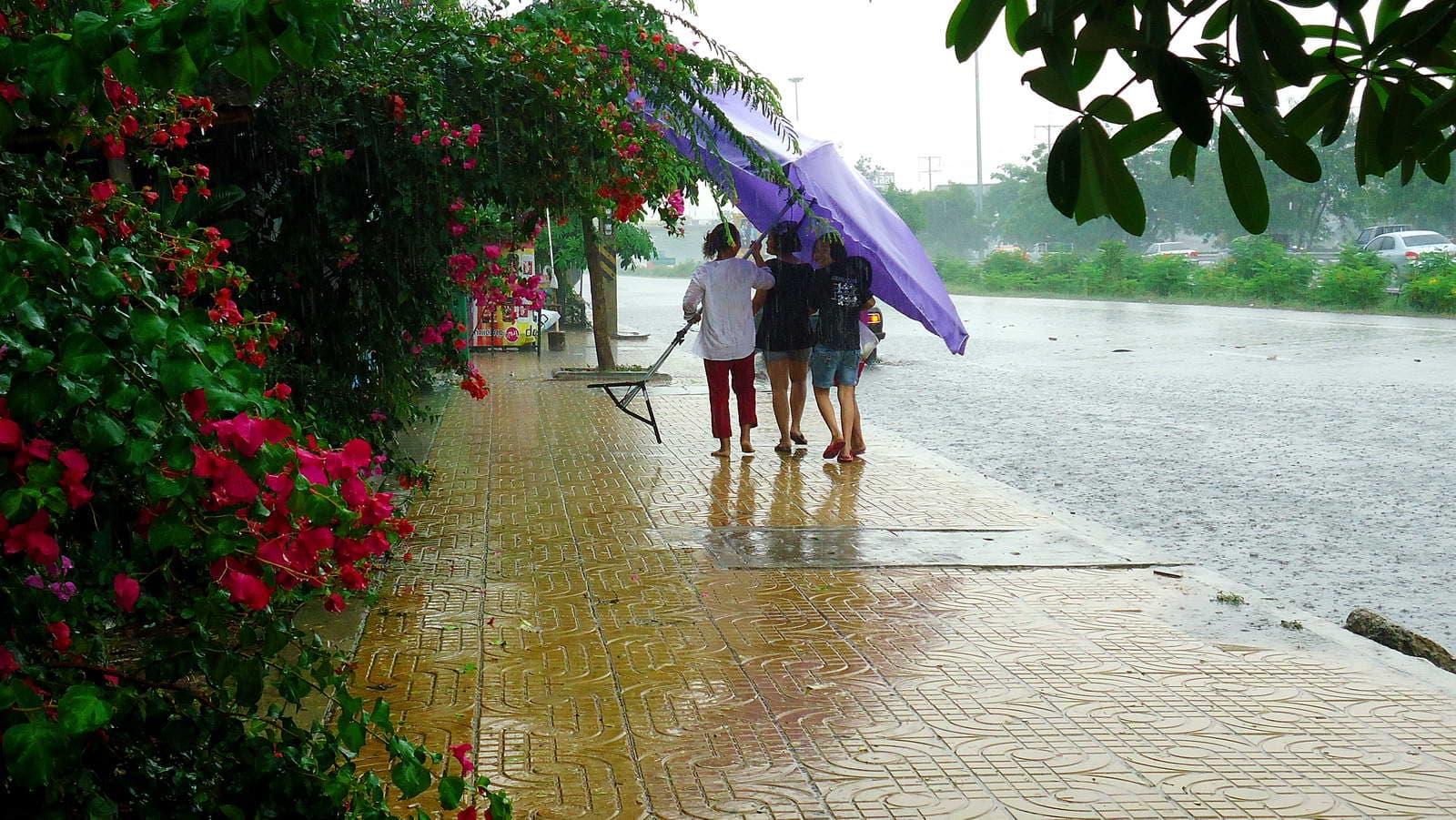 дождь-в-городе-пхукет