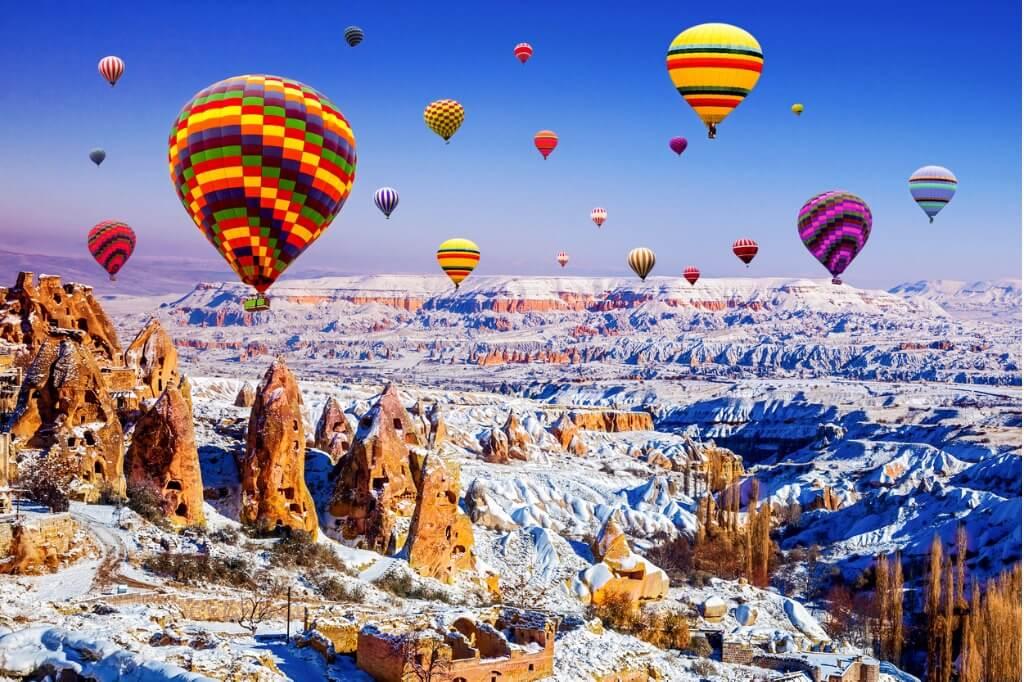 https://steemitimages.com/DQmd6aXd3guh7eedSnsEyKyqR31bGGT2BBTJtZaRRQGQFdE/cappadocia-of-winter-turquia.jpg